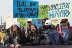今年4月22日の反原発集会、地元高校生団体のメンバー(撮影は森山さん)