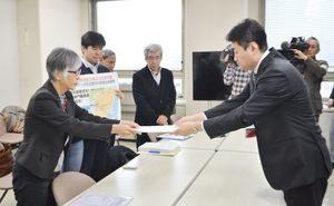 再稼働同意撤回を県知事に申し入れ (17年12月26日)